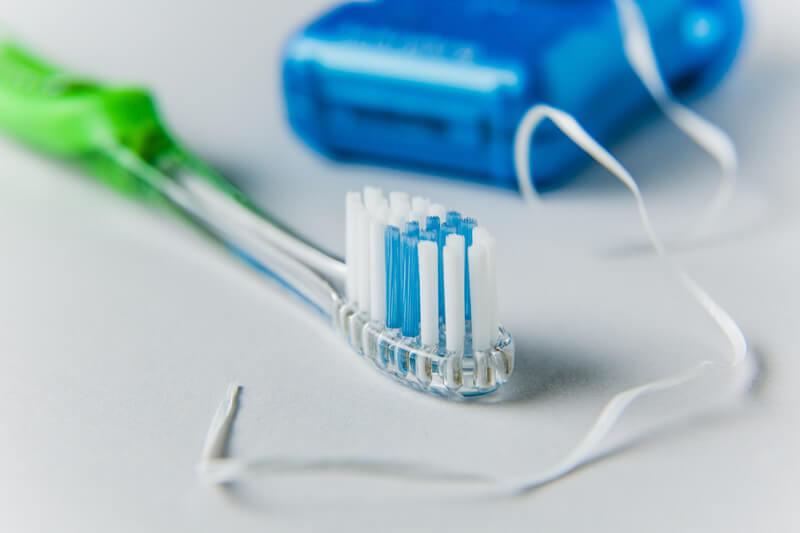 Igienizarea implantelor dentare