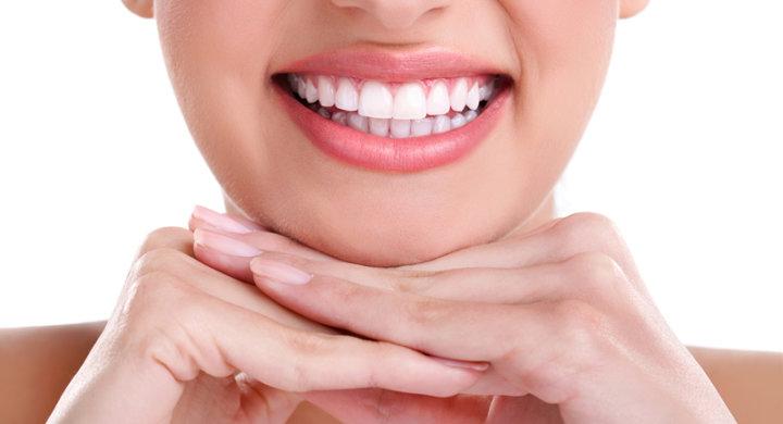 Implant dentar estetic